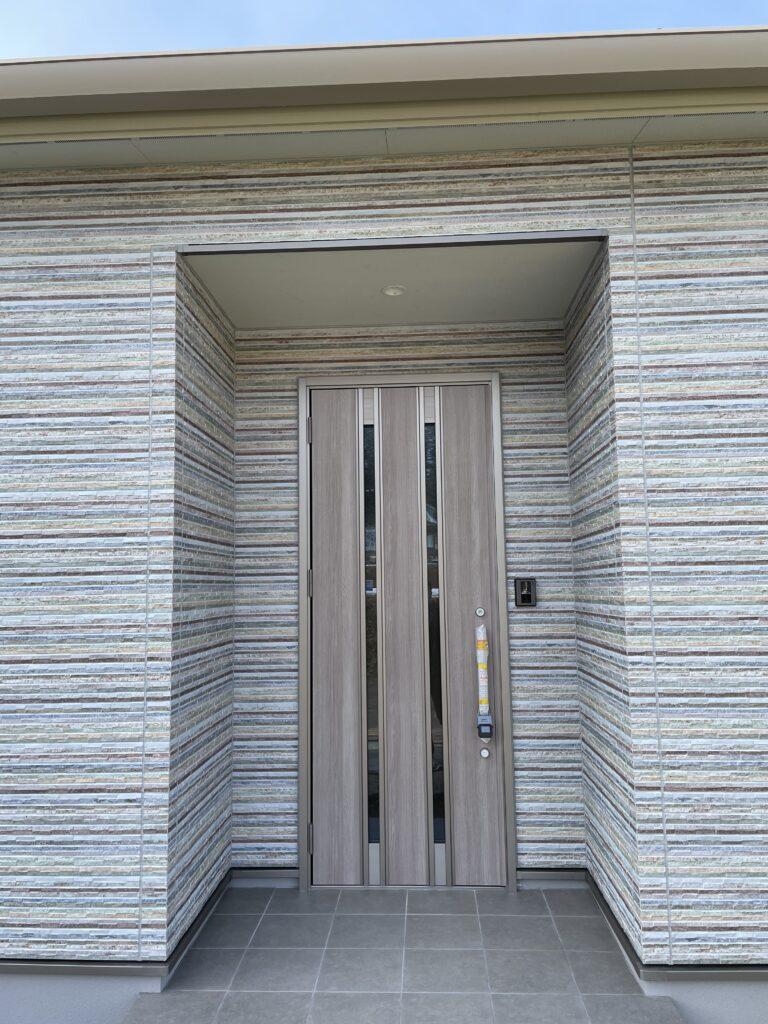 【達人】こだわりの標準仕様・断熱玄関ドア